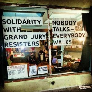 nobody-talks-everybody-walks